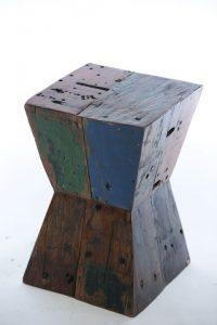 שרפרף שעון חול עץ טיק ממוחזר